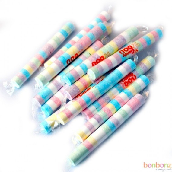 Petits rouleau de bonbons dextro colorés